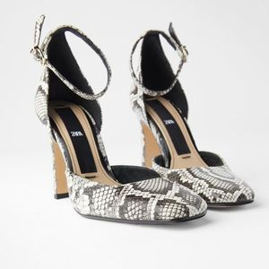 Snake Print leather high heel shoes 🐍